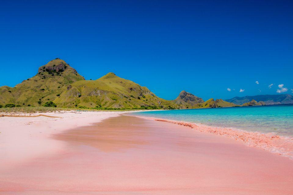 Pink Beach, Indonésie