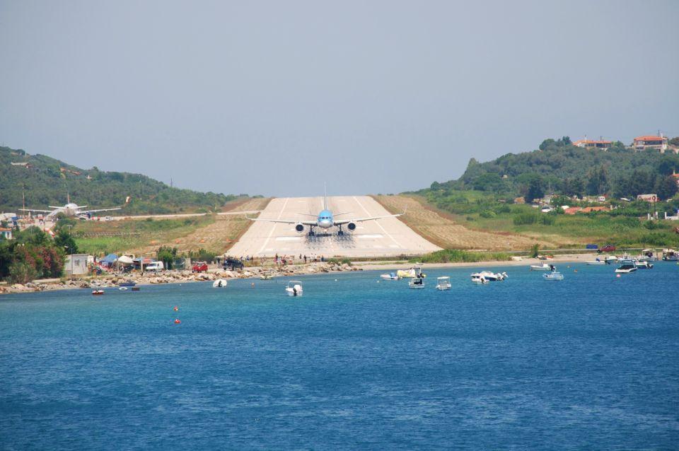 13.Aeroporto di Skiathos, Grecia