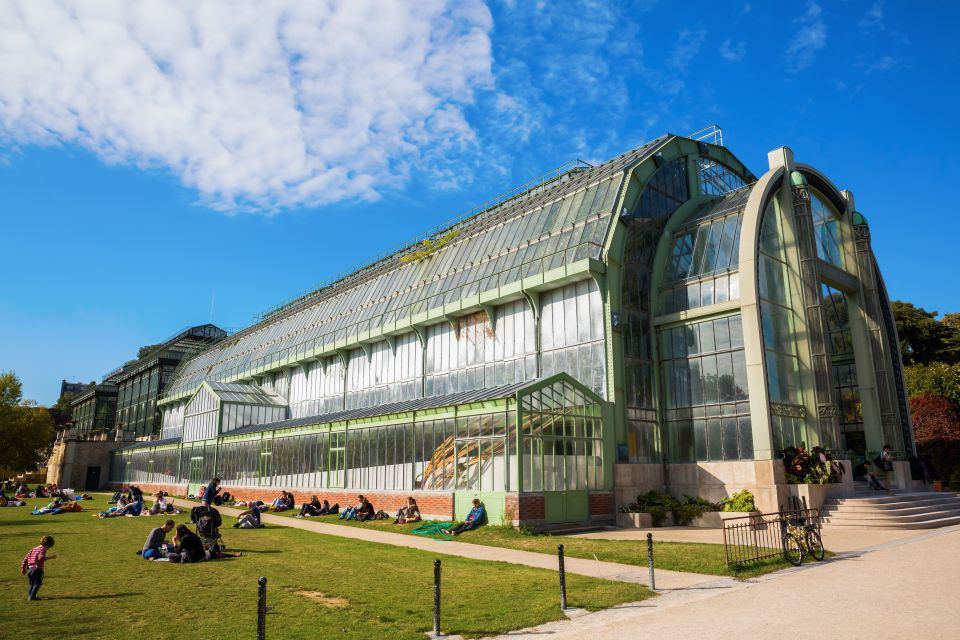 Stroll around luxuriant greenhouses
