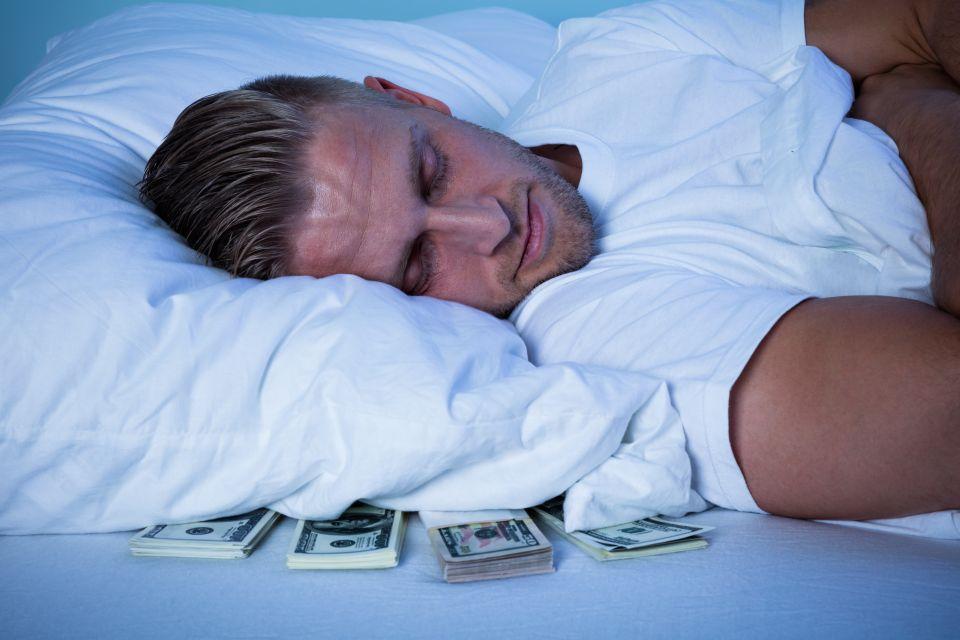 Chi dorme piglia   un sacco di soldi! Ecco come diventare