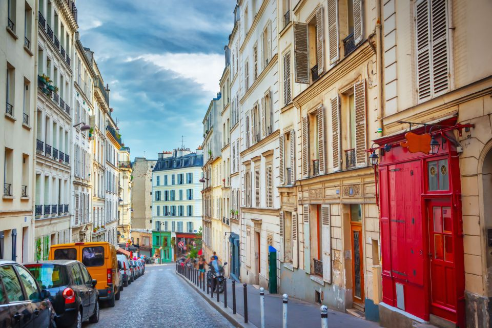 April: Meander stylishly in Paris' streets