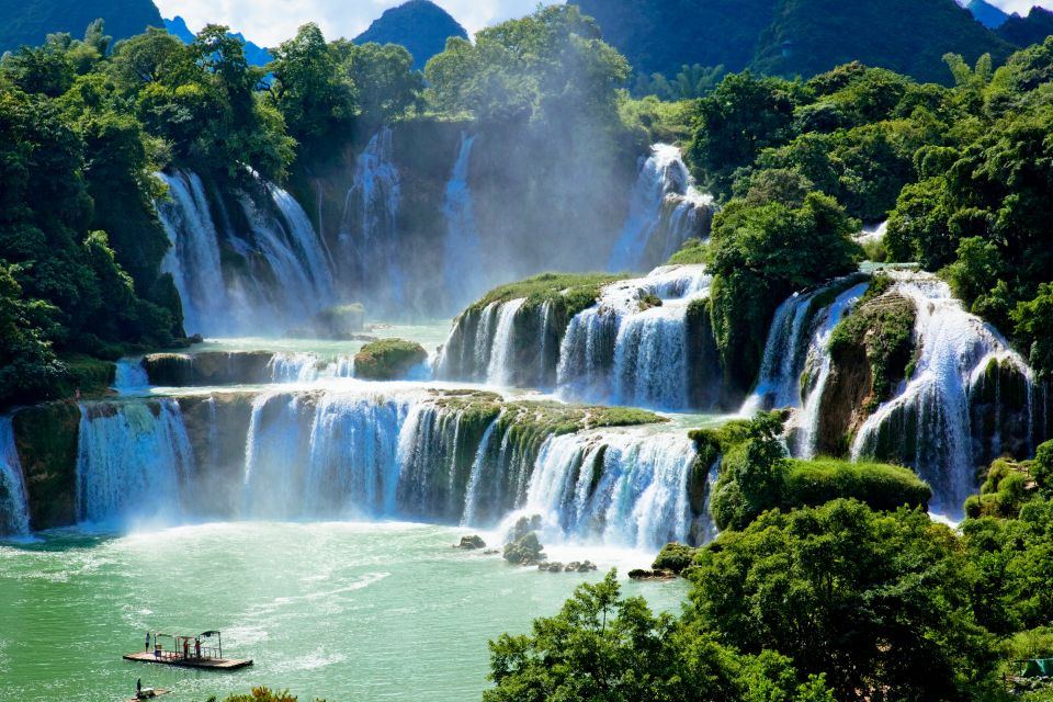 Ban Gioc Waterfalls, Vietnam and China