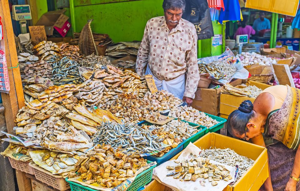 4. Visit the Pettah Market
