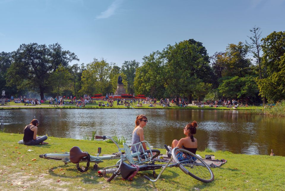 Chill out in Vondelpark