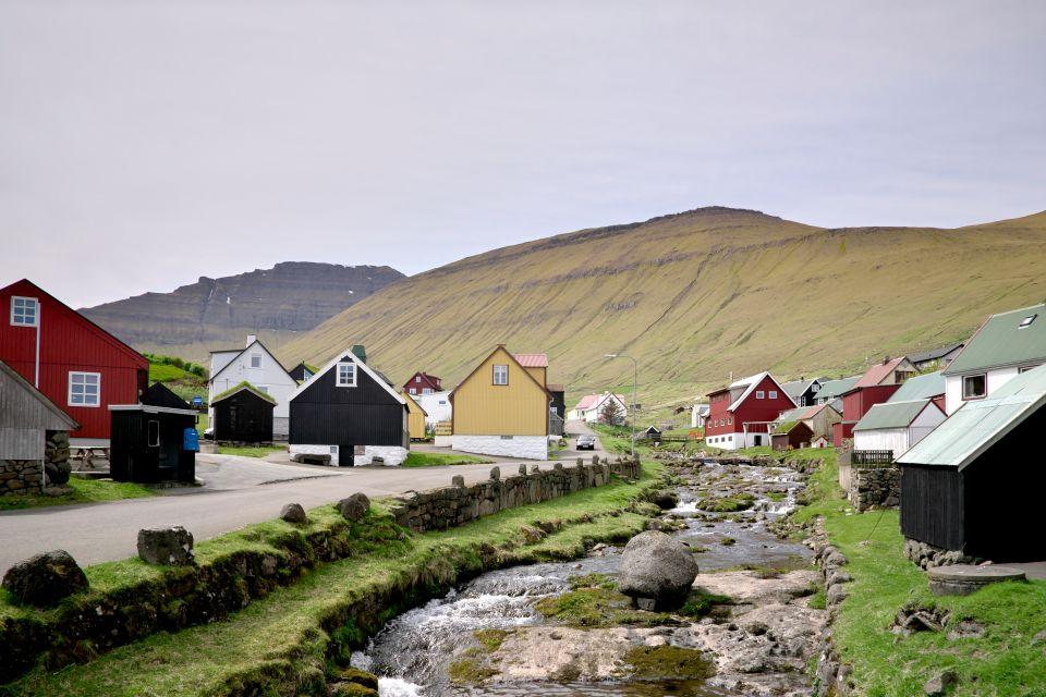 L'idilliaco Gjogv e le sue colorate case