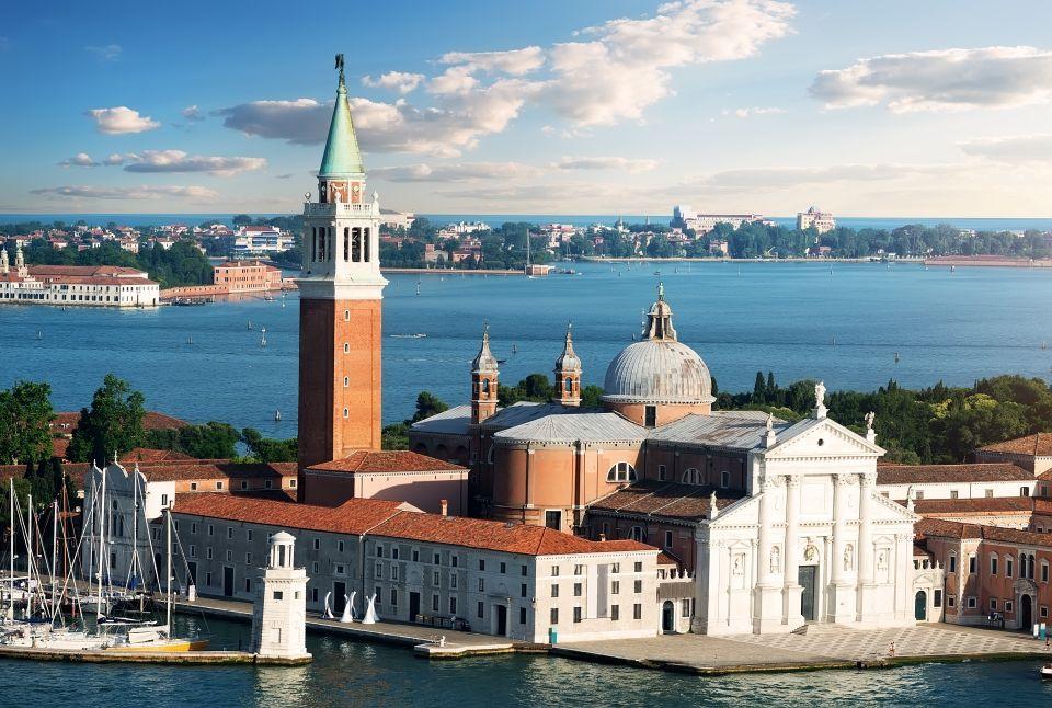 5) Poveglia, Italia