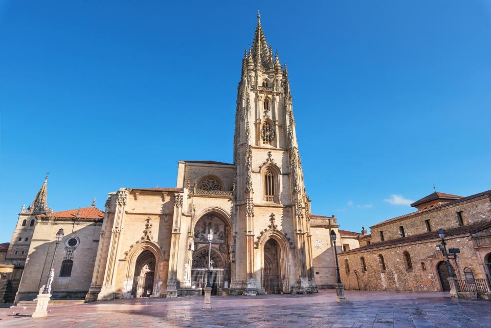 3. Catedral de San Salvador