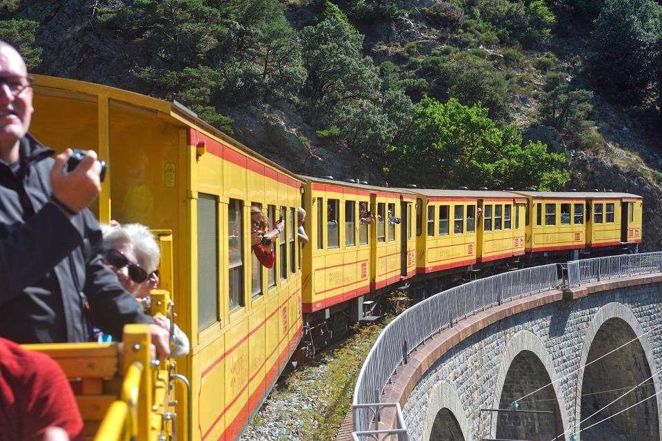 4. Le Petit Train Jaune
