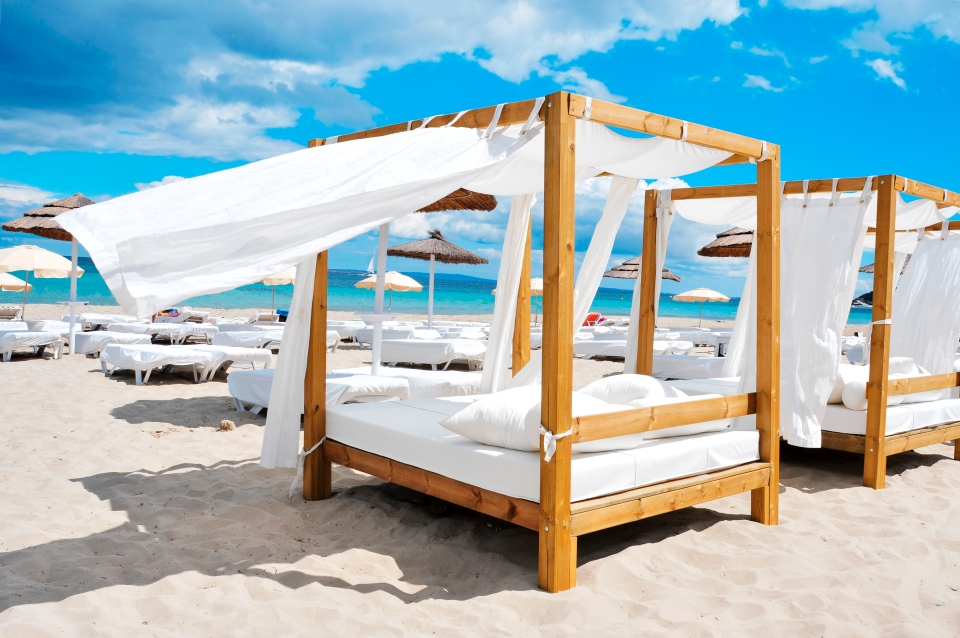 4. Beach clubs and nightlife