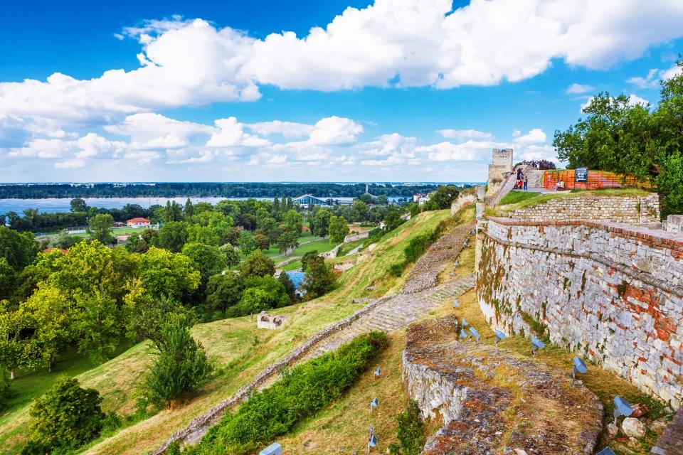 La forteresse de Belgrade surplombant le Danube et son confluent