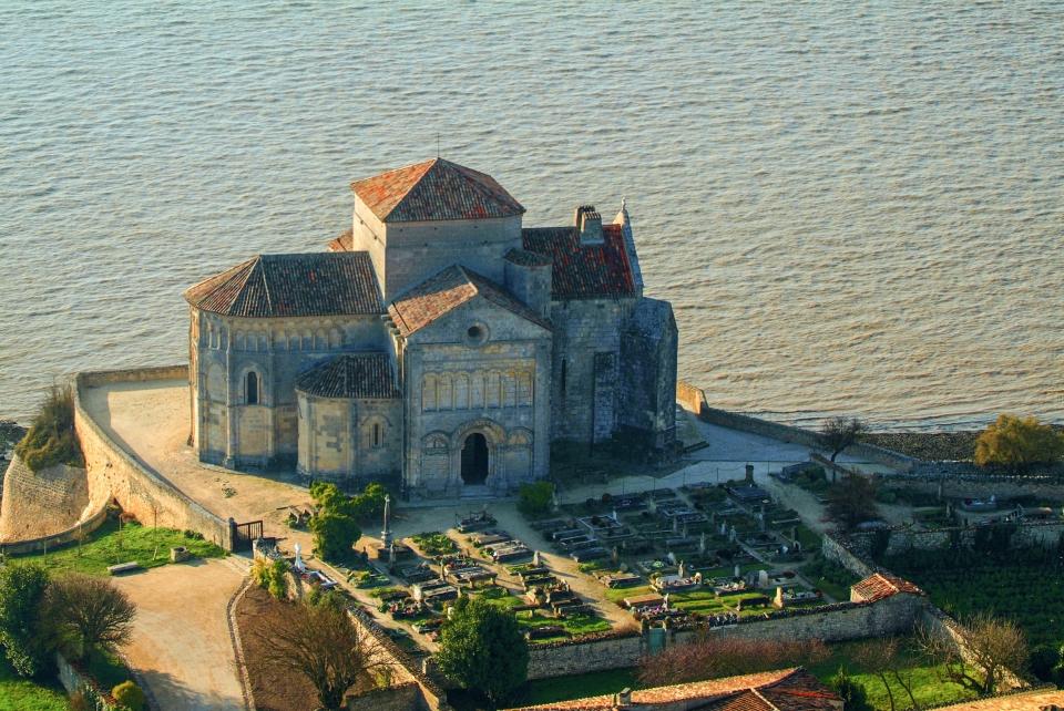 3. Ein Tagesausflug zur Kirche Sainte-Radegonde