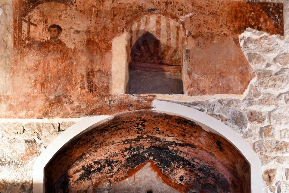 L'église Santa Creu et ses fresques romanes