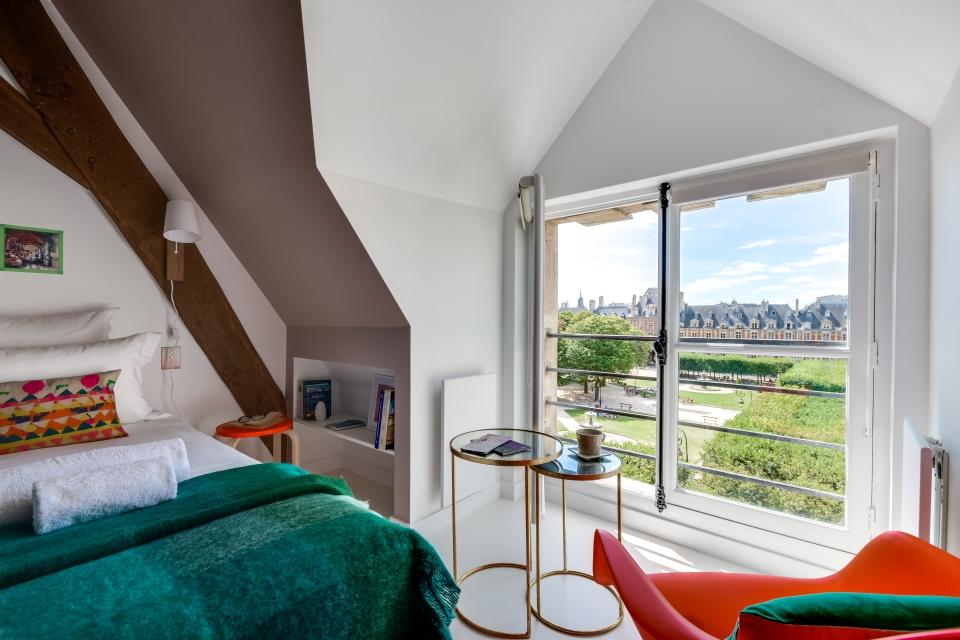 Appartement Sweet Inn donnant sur la Place des Vosges à Paris