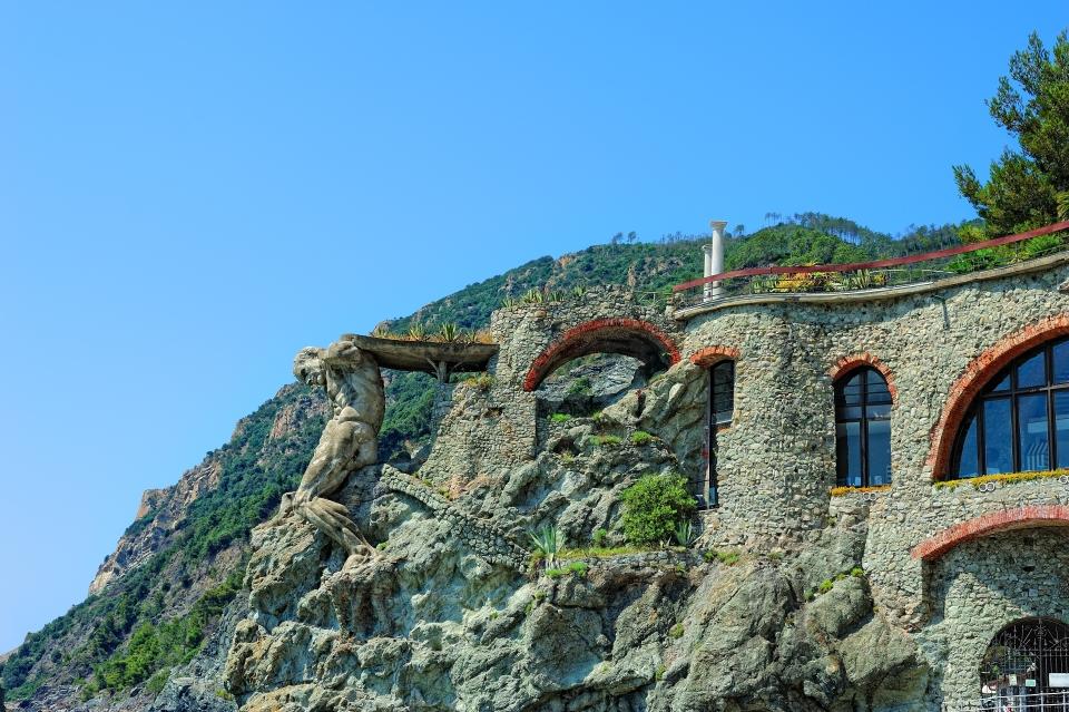 La statua del Gigante di Monterosso