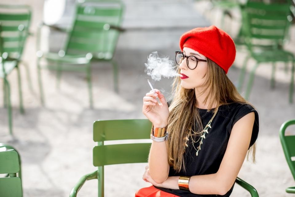 No hay un francés que no fume