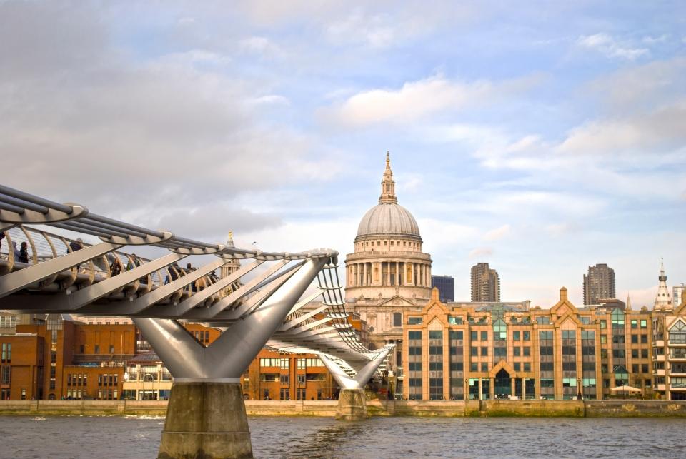 Londres : le pont Millenium