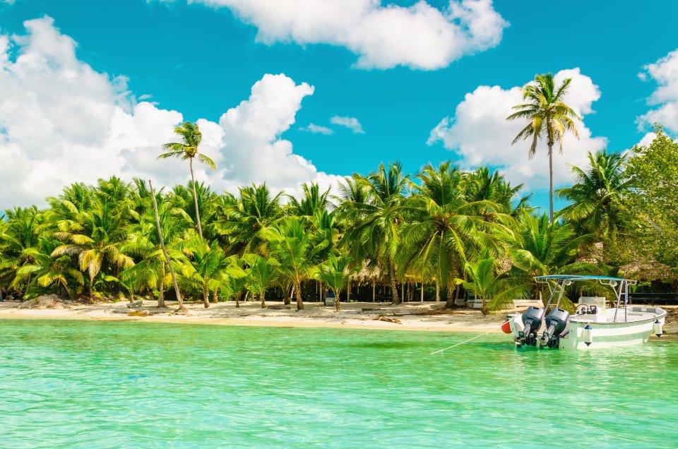 16. La Martinique, France