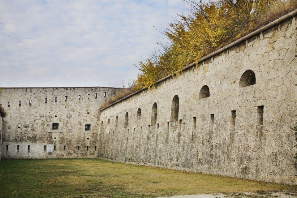 Fort Monostor, Hungary
