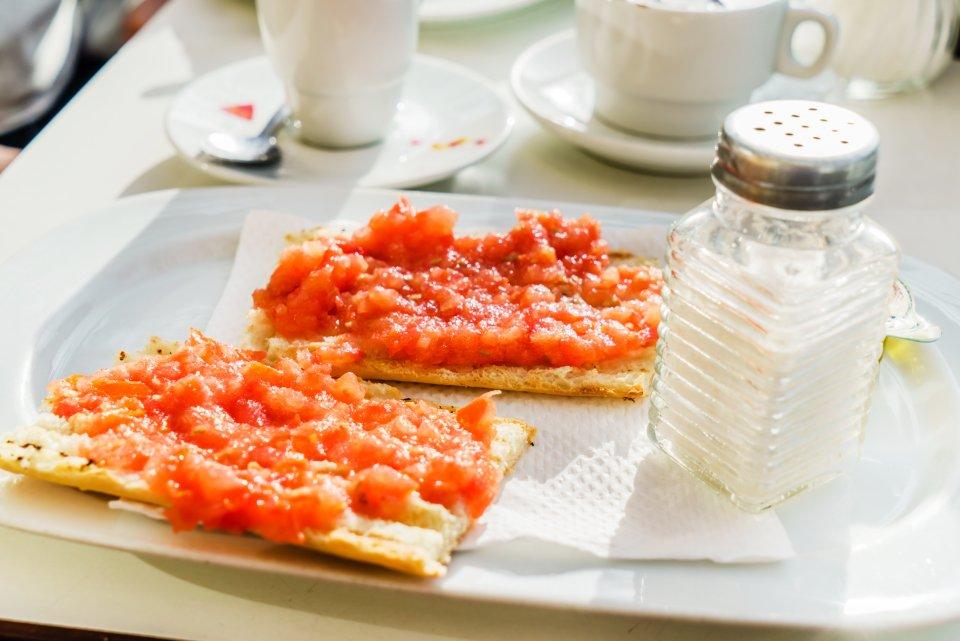Spain: tomatoes on toast