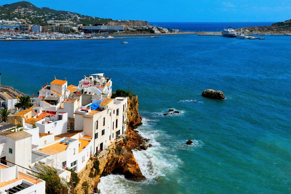 La città di Ibizia vista dal porto, Ibiza, Le rive, Baleari