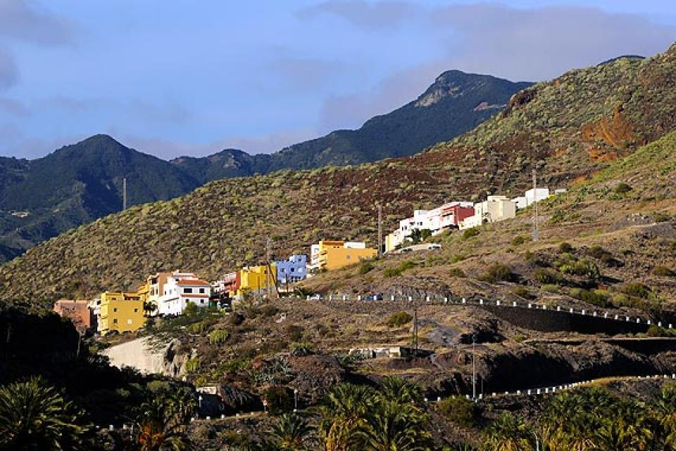 Tenerife , La plage de Las Teresitas , Les monts Anaga , Espagne