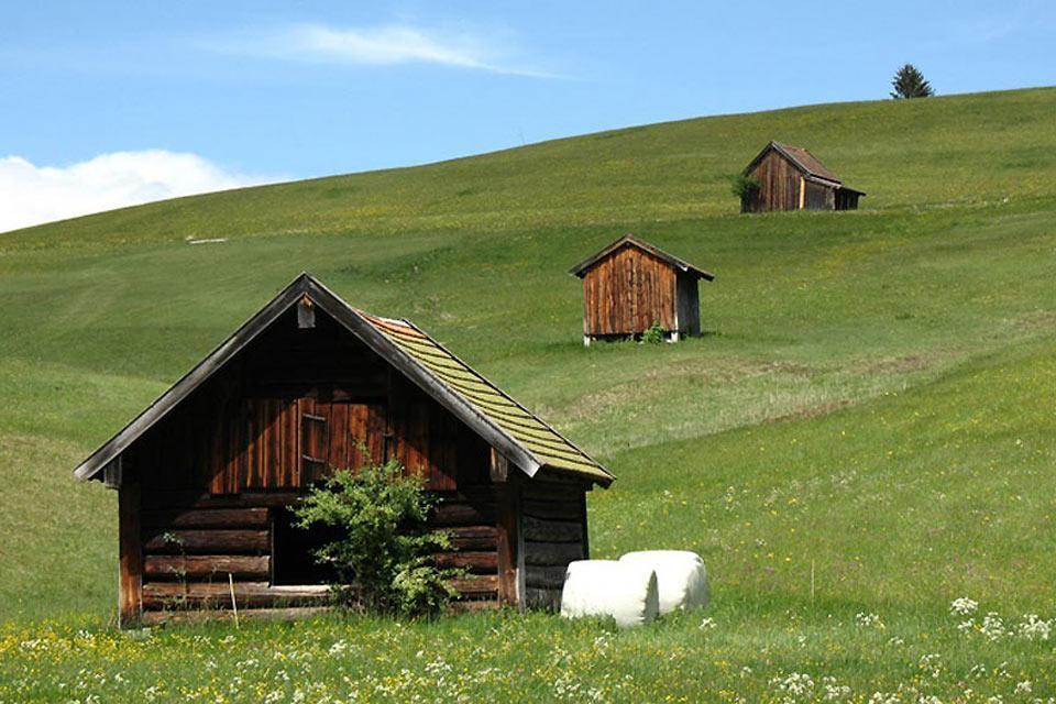 Die Deutsche Alpenstraße , Berghütten in den Alpen , Deutschland