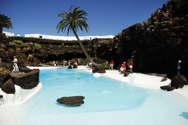 Lanzarote , Jameos del Agua , Une surprenante piscine d'eau de mer , Espagne
