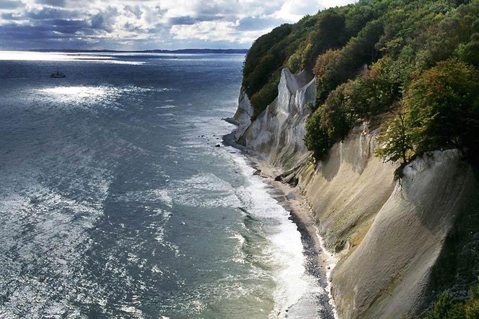 La côte baltique , Falaises de craie sur la mer Baltique , Allemagne