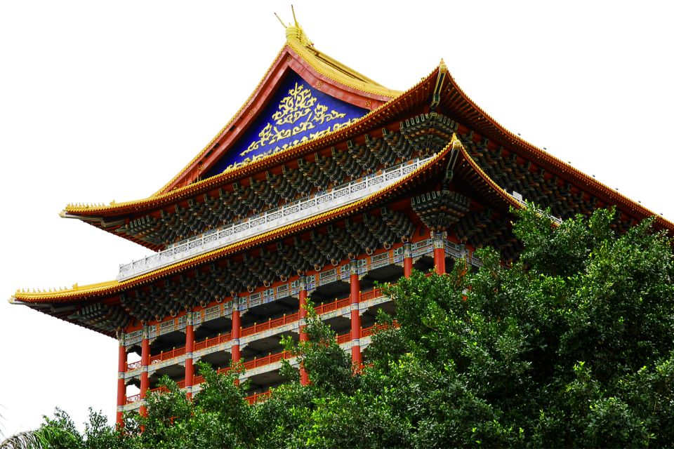 A temple? No, a hotel!, The National Palace Museum, Monuments, Taiwan