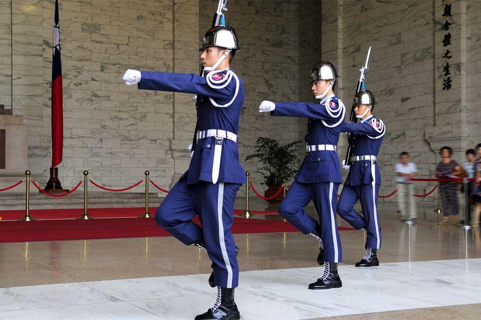 La relève de la garde, Le mémorial Tchang Kai-Chek, Les monuments, Taïwan