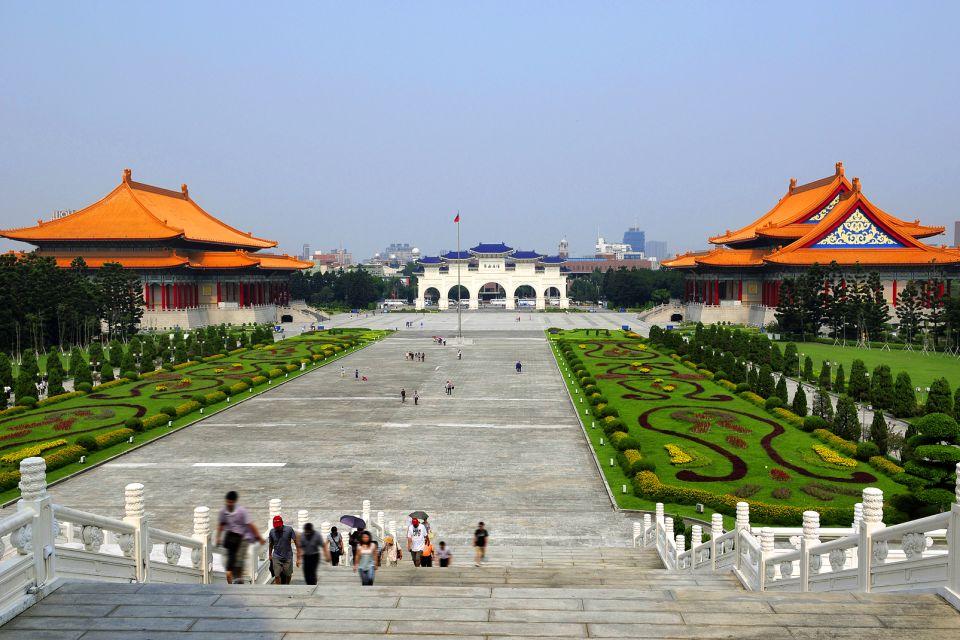 Un très joli jardin de 25 hectares, Le mémorial Tchang Kai-Chek, Les monuments, Taïwan