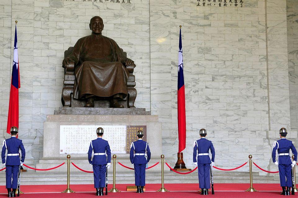 La statue de Tchang Kai-Chek, Le mémorial Tchang Kai-Chek, Les monuments, Taïwan