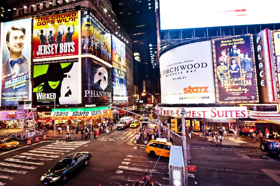 Shows , The lights of Broadway , United States of America