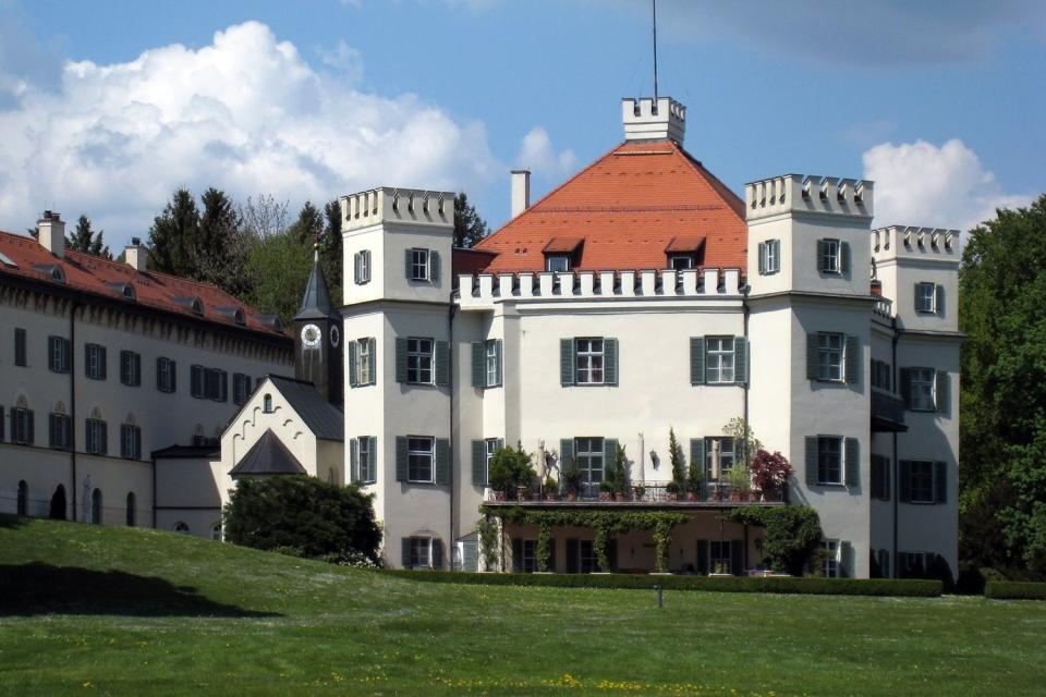Castle of Possenhofen , A walk in the city's surroundings , Germany