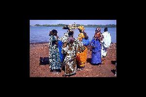 El río Gambia , Gambia