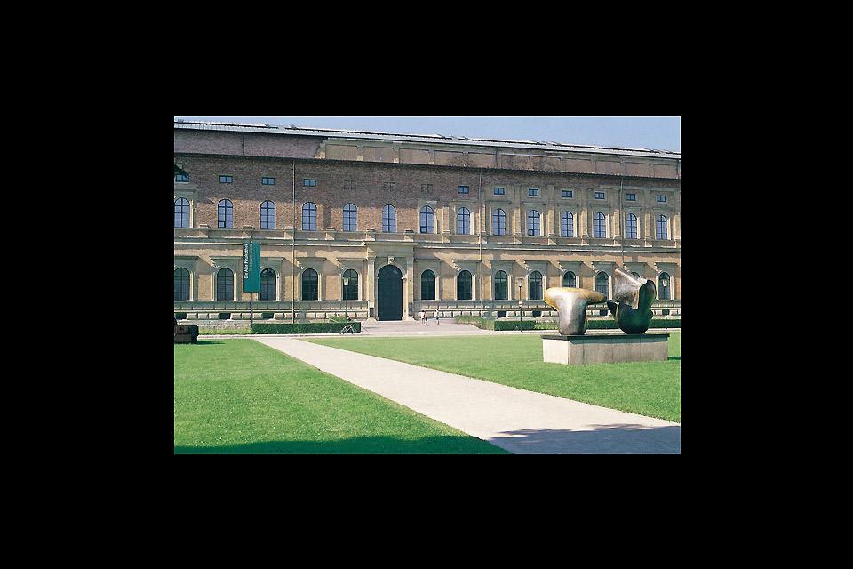 Die Alte Pinakothek , Die Fassade der Alten Pinakothek , Deutschland