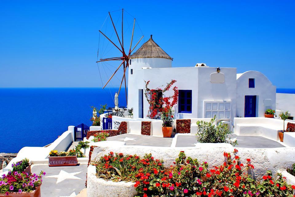 Santorin , Petit bijou illuminé , Grèce