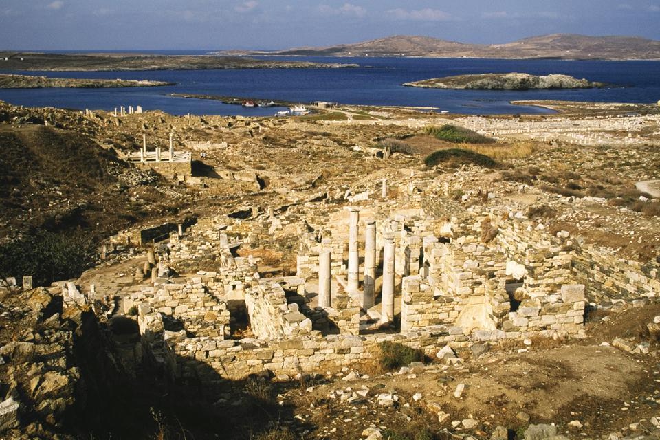 Délos , Elle a tout d'une grande , Grèce
