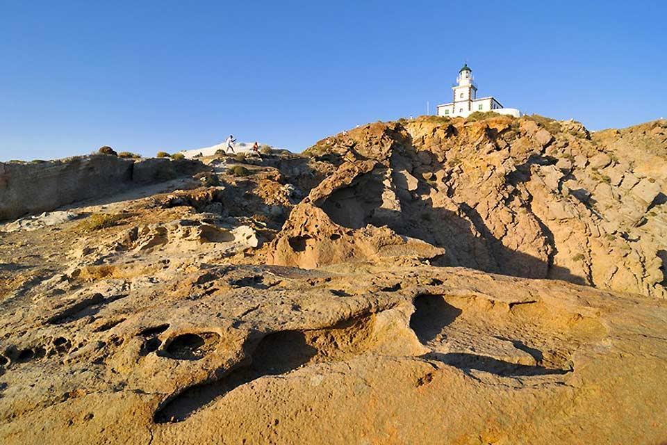 La cité antique de Thira et le site minoen d'Akrotiri (Santorin) , Le phare d'Akrotiri , Grèce