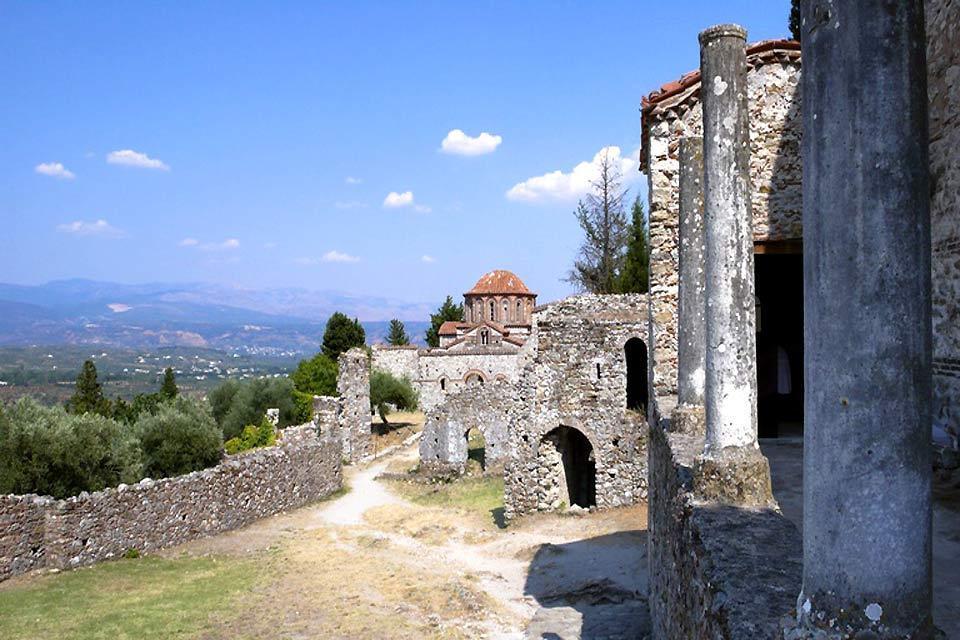 La cité byzantine de Mystra , Les ruines de la chapelle , Grèce
