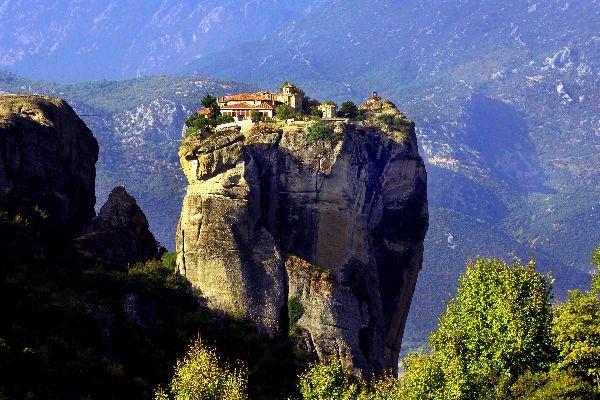 Los monasterios de los Meteoros , Monasterios que penden del cielo , Grecia