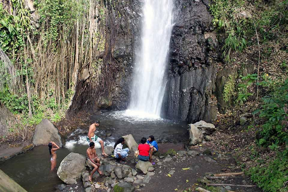 The whales , The Saint Vincent waterfalls , Saint-Vincent and The Grenadines