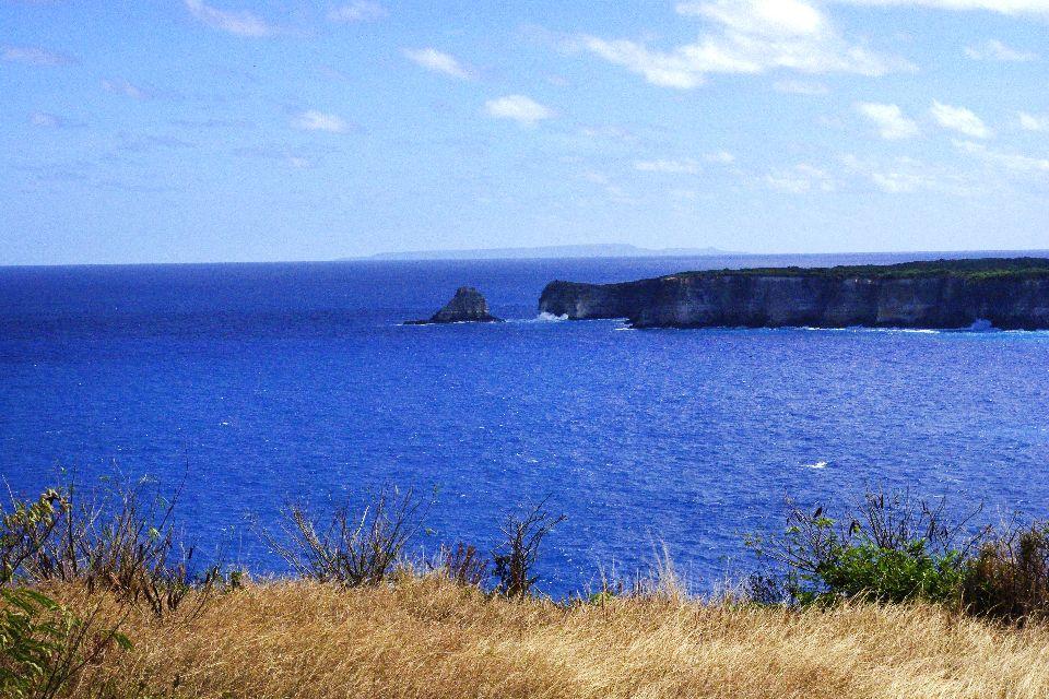 La punta della Grande Vigie (Grande Vedetta) , Scogliere della Punta della Grande Vigie , Le isole della Guadalupa