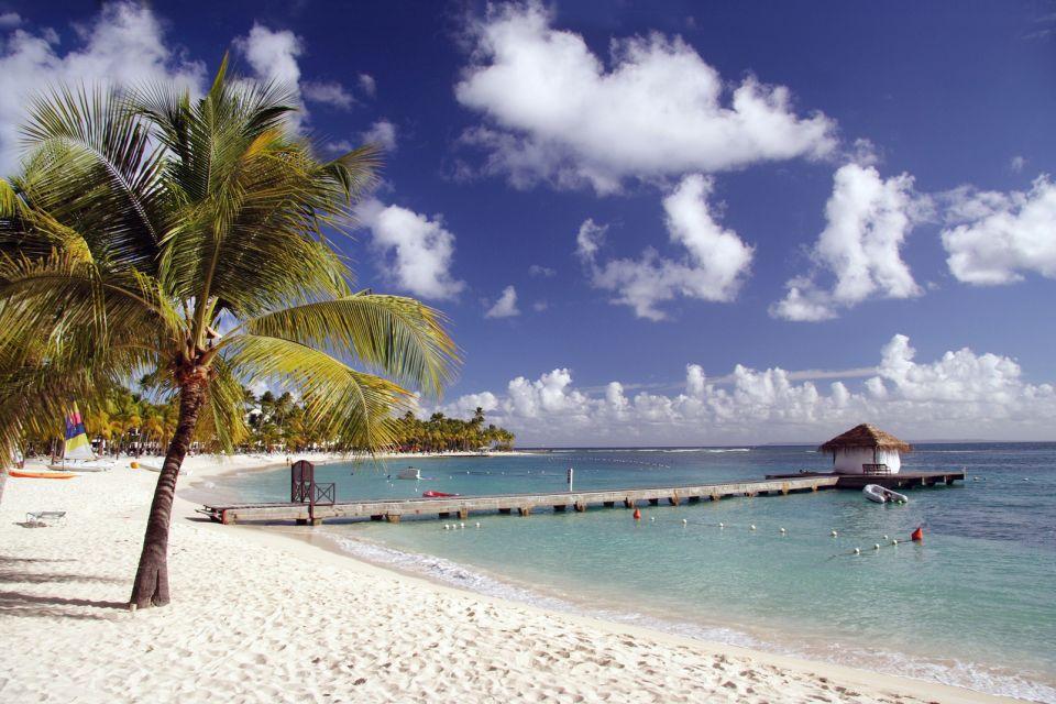 La plage de la caravelle la guadeloupe les les de - Sainte anne guadeloupe office du tourisme ...