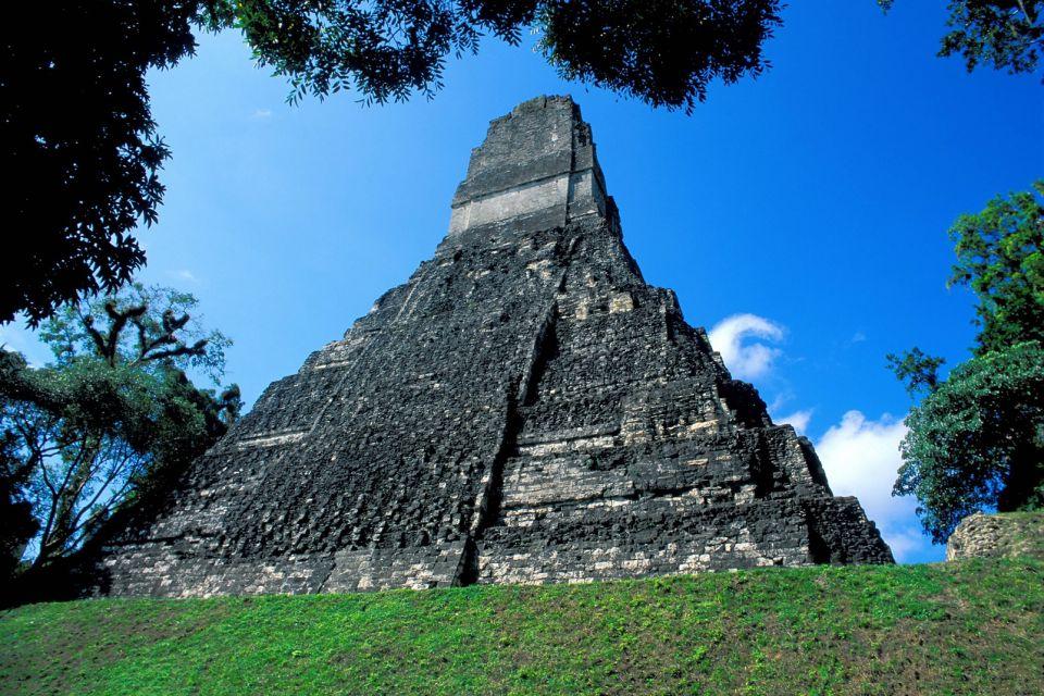 Los templos antiguos de Tikal, Las ruinas de Tikal, Los monumentos, Guatemala, Guatemala