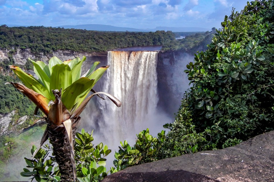 Las cataratas de Kaieteur , Guyana