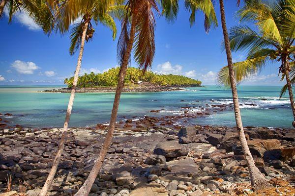 """Die Inselgruppe """"Iles du Salut"""" (Frz-Guyana), Salut-Inseln, Die Küsten, Französisch-Guyana"""