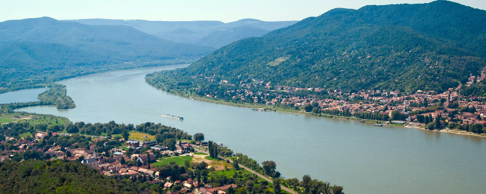 the danube curve hungary