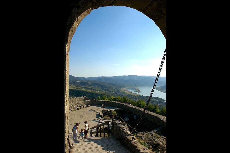 La boucle du Danube , Le château de Vigerad , Hongrie