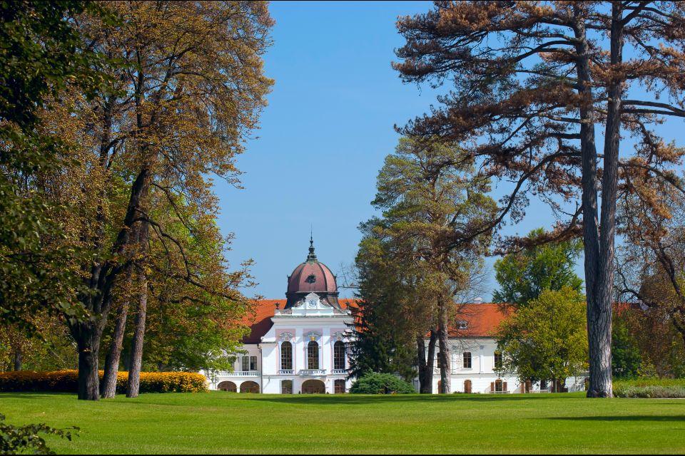 El castillo de Grassalkovich, El castillo Grassalkovich, Los monumentos, Budapest, Hungría